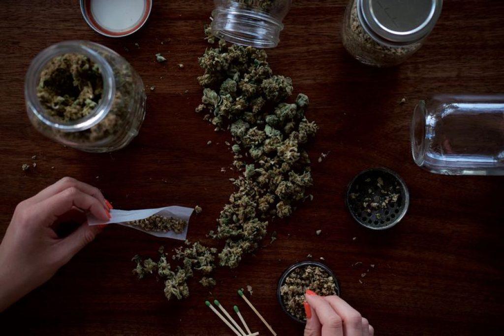 rolling-kush-joint